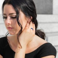 67 (21.3) Bungsa© blauer RING für Damen & Herren - Blau - Damenring aus EDELSTAHL matt - edler Edelstahlring geeignet als Verlobungsringe, Freundschaftsringe & Partnerringe