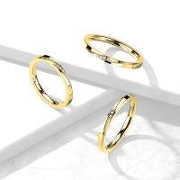 60 (19.1) Goldener Ring schmal mit Kristallen und Zierleiste aus Edelstahl